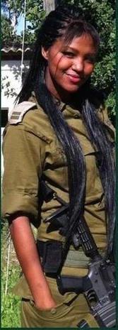 Miss Israel 2013, Yityish Aynaw, a Titi.